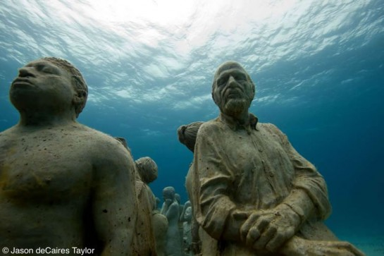 Jason deCaires Taylor's underwater art in Mexico