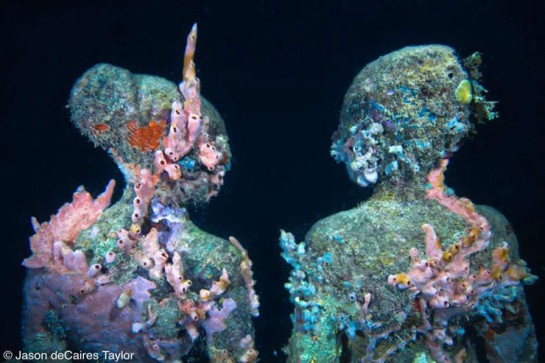 Jason deCaires Taylor's underwater art in Mexico featuring figures of people with barnicles