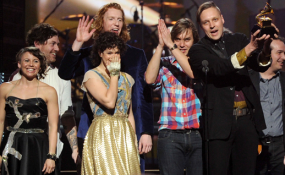 Arcade Fire win a Grammy - 2011 - Win Bulter