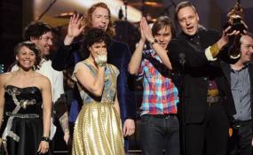 Arcade Fire win a Grammy - 2011 - Win Bulter