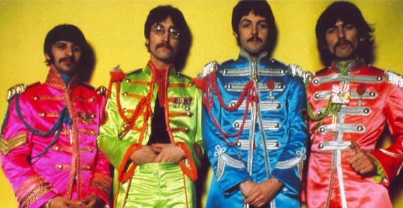 Sgt. Pepper's Lonely Hearts Club Band Beatles in uniform picture
