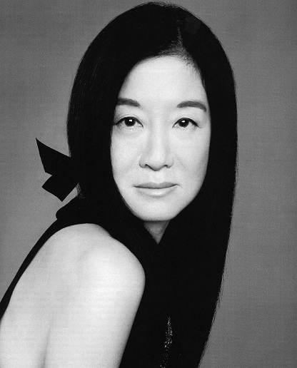 Vera Wang photography portrait in black and white