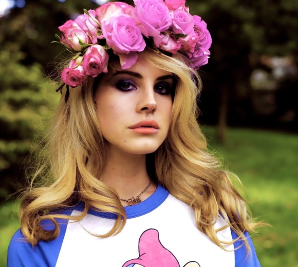 Lana del rey wearing a crown of flowers