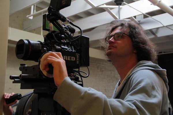 Tier filmaker with camera